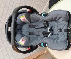 БебешкаКоличка + кошница и адаптор за кола + аксесоари